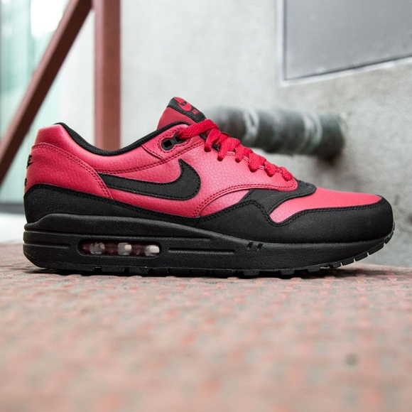 huge discount d6446 148f3 Men s Nike Air Max 1 LTR Premium (Size 11)